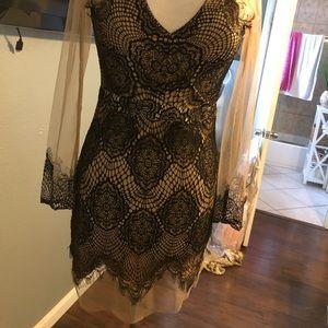 Dresses & Skirts - Short Evening dress